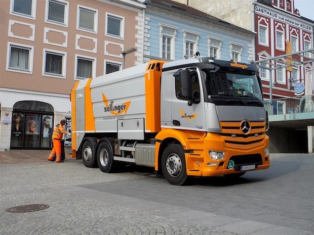 Bild von Mercedes-Benz Antos unterstützt Entsorgungsprofis