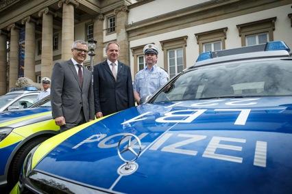 Photo of Landespolizei Baden-Württemberg setzt auf Einsatzwagen von Mercedes-Benz