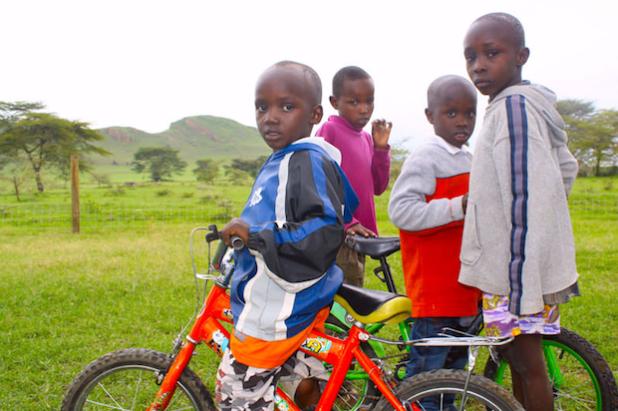 Arbeiten mit Kindern in Kenia Fotograf: VoluNation