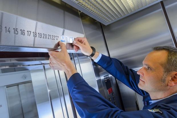 Photo of Aufzüge: Neue Plakettenpflicht ab 1. Juni 2015
