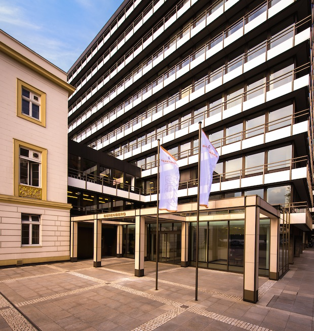 Photo of Berenberg investiert in Wachstum und startet erfolgreich ins Jubiläumsjahr