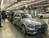 Ein millionster Pkw läuft im Mercedes-Benz Werk East London vom Band