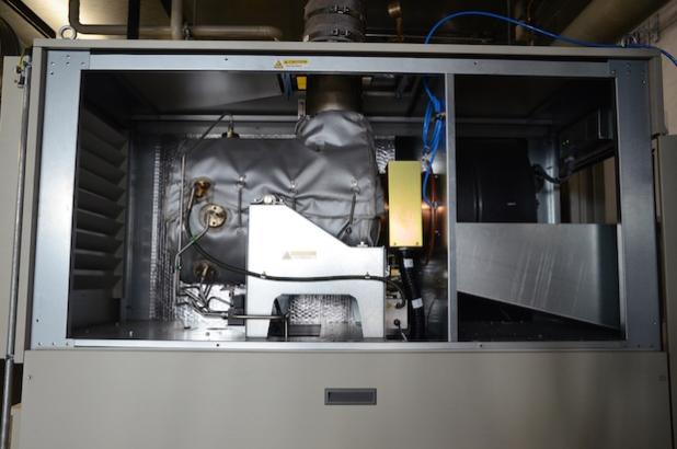 """Die nur 1 x 0,6 Meter große Mikrogasturbine ist """"verpackt"""", um die Wärmeverluste zu vermindern. (Foto: STREICHER)"""