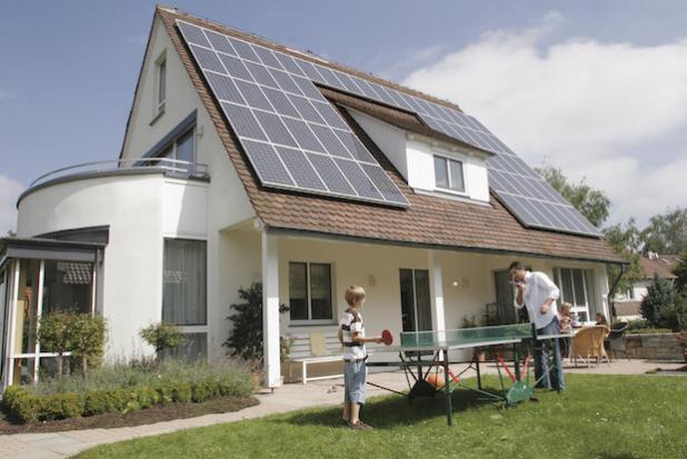 An-, Aus- und Umbauten: ODER Energetische Modernisierung: Die Deutschen investieren auch 2015 fleißig in Ausstattung, Renovierung und Modernisierung ihrer Immobilien. (Foto: Bausparkasse Schwäbisch Hall)