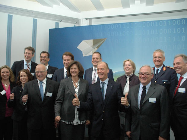 Photo of Erster Studiengang für Piloten der Bundeswehr startet