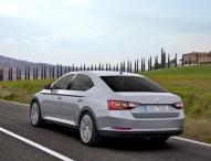 Top-Sicherheit: Neuer SKODA Superb erzielt Bestwertung von fünf Sternen im Euro NCAP Crashtest