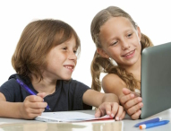 Wie Eltern ihre Kinder vor Gefahren im Internet schützen können