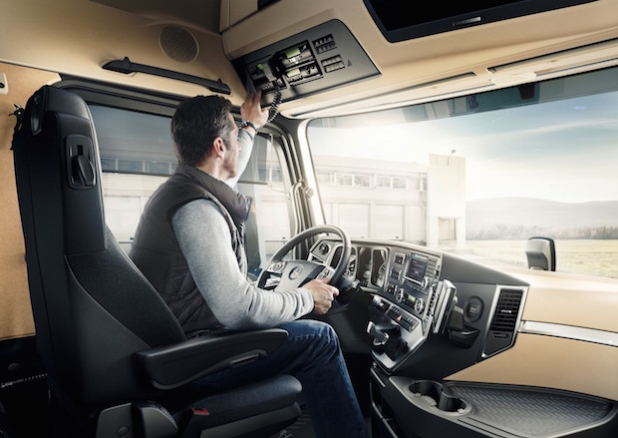 FleetBoard im Mercedes-Benz Actros - Quelle: FleetBoard