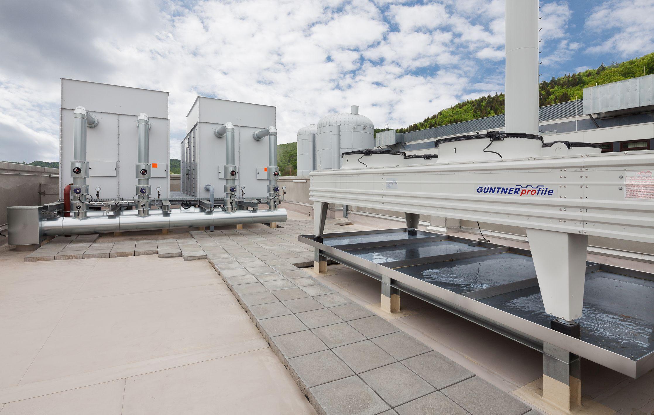 Photo of Neu installierte Anlage mit Kraft-Wärme-Kälte-Kopplung bei OSRAM