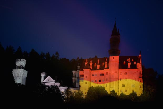 Photo of Bayern heißt Bundeskanzlerin Angela Merkel zum G7-Gipfel willkommen