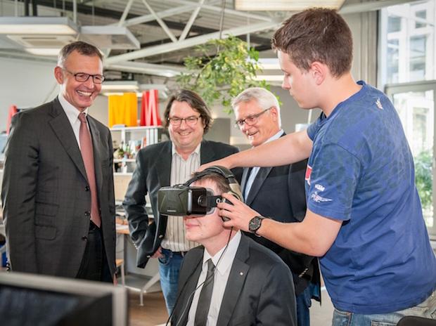 Photo of IHK-Präsident Dirk von Vopelius besucht hl-studios