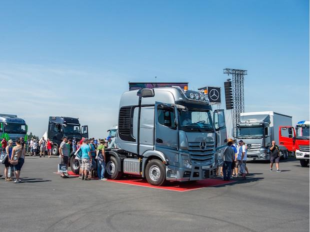 Photo of Mercedes-Benz beim 30jährigen Jubiläum des Truck Grand Prix 2015 auf dem Nürburgring