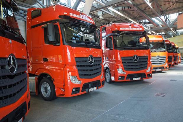 Die Spedition Sostmeier erweitert ihren Fuhrpark um insgesamt 40 Mercedes-Benz Actros 1843 - Quelle: Daimler AG