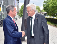Ministerpräsident Kretschmann besucht die EnBW in Karlsruhe