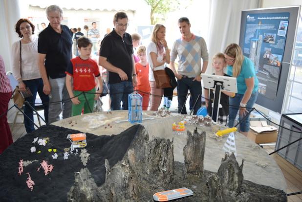 Geowissenschaften verständlich präsentiert: Die Geheimnisse der Erde interessierten viele der Besucherinnen und Besucher. Foto: Kai Uwe Bohn/Uni Bremen