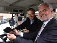 Vor-Ort-Termin in Bielefeld mit Minister Duin und Gründerpreisträger Torben Calenberg