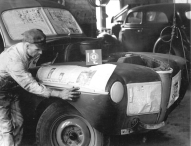 Alles begann 1923 in einer Autowerkstatt