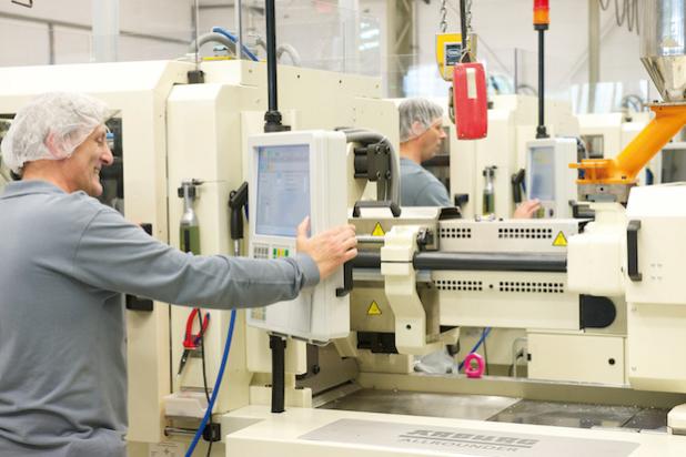 Als Vorbild für kleine und mittelständische Unternehmen arbeitet Sanner an der stärkeren Vernetzung der Produktionsanlagen untereinander, um die internen Prozesse nachhaltig zu optimieren.