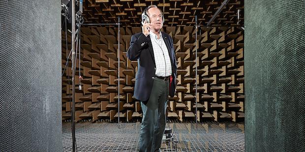Photo of Prof. Dr. Jörg Sennheiser erhält den Deutschen Gründerpreis für sein Lebenswerk