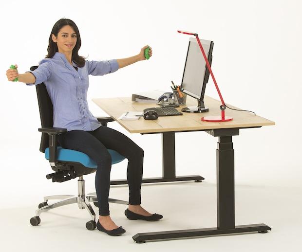 Photo of Sitzen, stehen & bewegen: Das rückengerechte Büro
