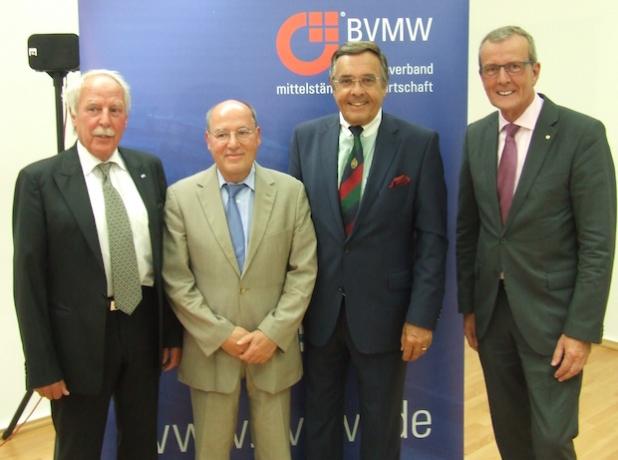 EMKA-Chef Friedhelm Runge, Dr. Gregor Gysi, Mario Ohoven und NRW-Landesgeschäftsführer Herbert Schulte. - Quelle: Thomas Kolbe