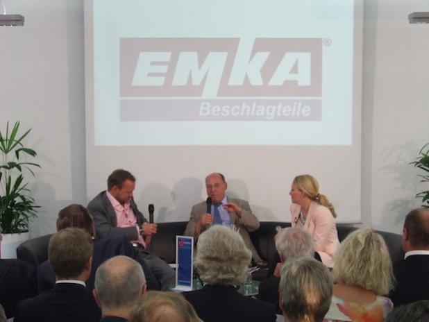 Dr. Gregor Gysi im Diskurs mit den Moderatoren Jörg Zajonc und Nadine Schulerus. - Quelle: Thomas Kolbe
