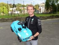 Mercedes-Benz zum 15. Mal Presenting Partner des Charity-Ereignisses für Kinder in Not