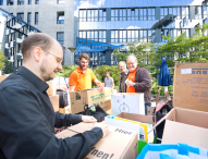 STRATO Mitarbeiter helfen Flüchtlingen in Berlin