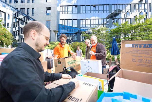 Photo of STRATO Mitarbeiter helfen Flüchtlingen in Berlin