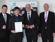 Stuttgarter FOM Absolvent mit ETL-Mittelstandspreis ausgezeichnet