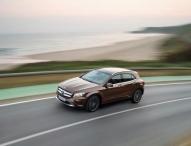 Mercedes-Benz erreicht absatzstärksten Monat und bestes Quartal