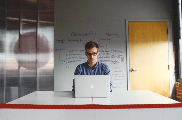 Photo of Angestelltenverhältnis vs. Selbstständigkeit – Ein Vergleich