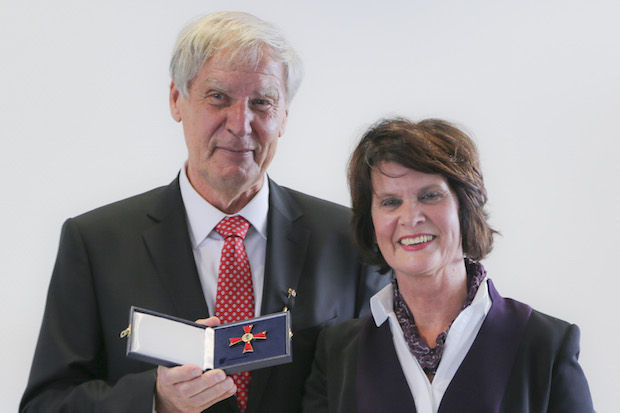 Photo of Professor Christoph Huber erhält Bundesverdienstkreuz