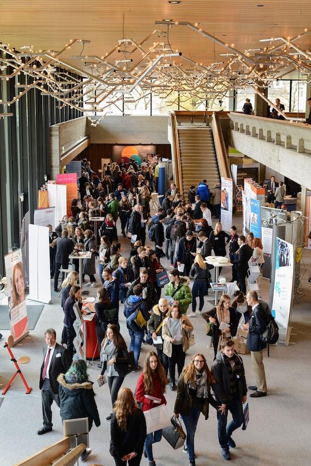 Photo of Bayernweite Messe zum dualen Studium