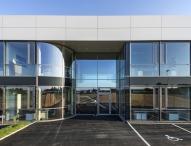 Neuer Standort für Kunststoffproduktion und Verwaltung