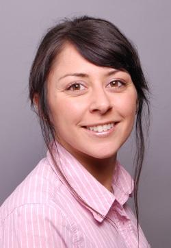 Beste Sekretärin 2015: Rubina Chand (37) aus Köln gehört zu den größten Bürotalenten des Landes. - Quelle: P.U.N.K.T. Gesellschaft für Public Relations mbH