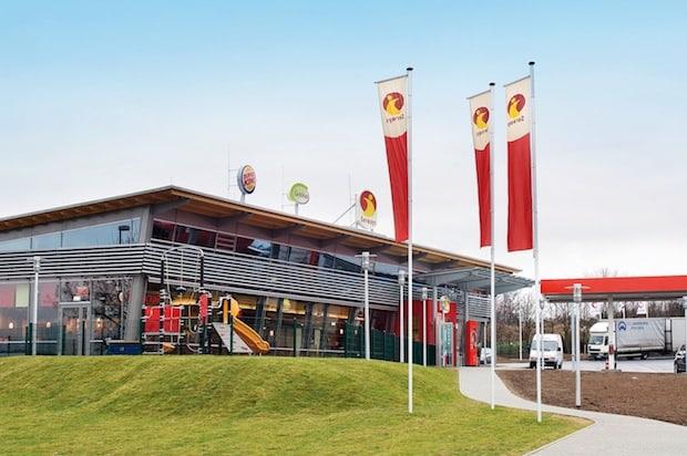 Bild von Mit dem Elektroauto quer durch Deutschland: Tank & Rast setzt auf RWE beim Ausbau der E-Ladeinfrastruktur