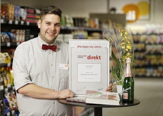 """Photo of Torben Bock ist """"Mitarbeiter des Jahres 2015"""" im Lebensmitteleinzelhandel"""