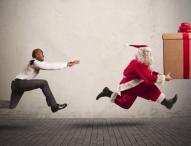 Damit der Postmann nicht dreimal klingelt: Weniger Stress zur Vorweihnachtszeit dank cleverer Paketzustellung