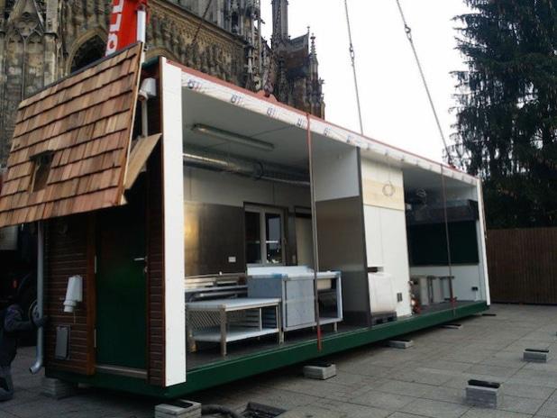 Perfekt ausgestattet – der mobile Verkaufsstand von Wefa auf dem Ulmer Weihnachtsmarkt. - Quelle: Heinkel Modulbau GmbH