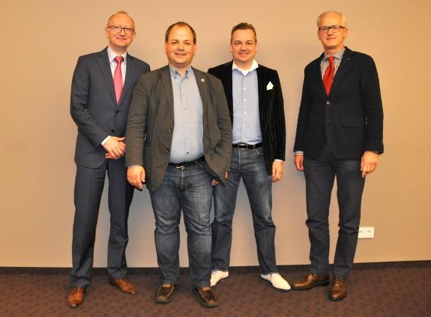 Foto (v.l.n.r.): Reiner Rohlje, Sven Oliver Rüsche, Carsten Ax, Dr. Jochen Knake.