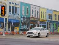 """Als erster Autohersteller testet Ford autonome Fahrzeuge in """"Mcity"""" – dem urbanen Testlabor der Universität von Michigan"""