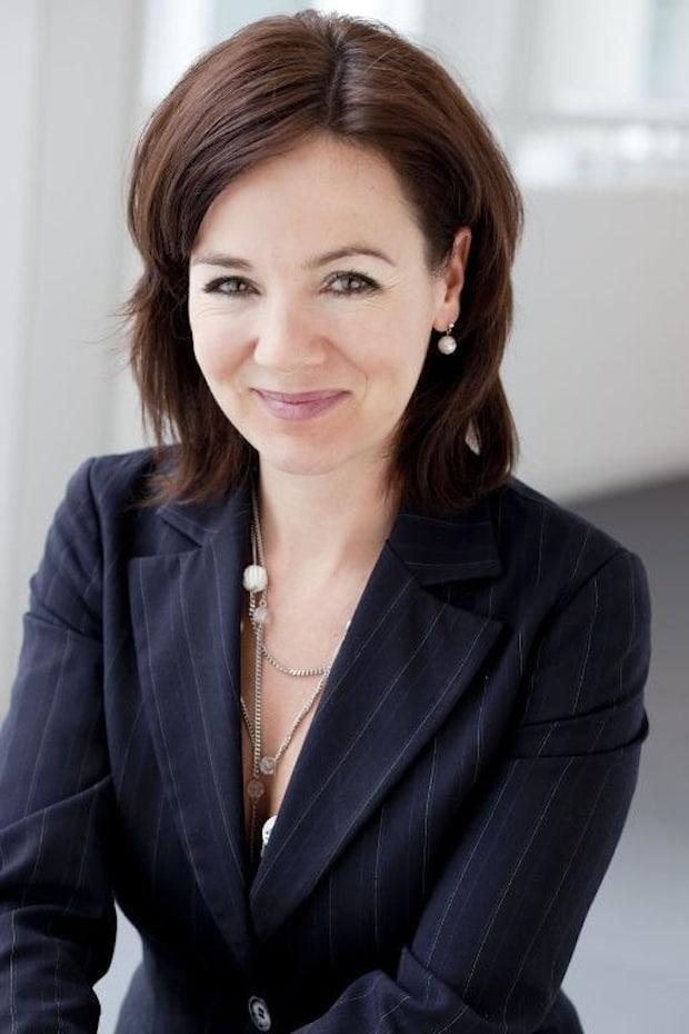 Bild von Angler und deren Köder – Ein Beitrag von Birgit Berthold-Kremser, Vice President & Head of Brand and Campaigns, Siemens AG