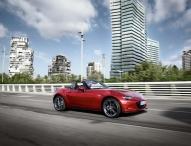 """Mazda MX-5 zieht in die japanische """"Hall of Fame"""""""
