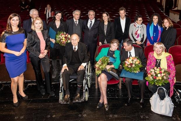 Photo of Laura Poitras und Barada Syrienhilfe mit dem Marion Dönhoff Preis 2015 ausgezeichnet