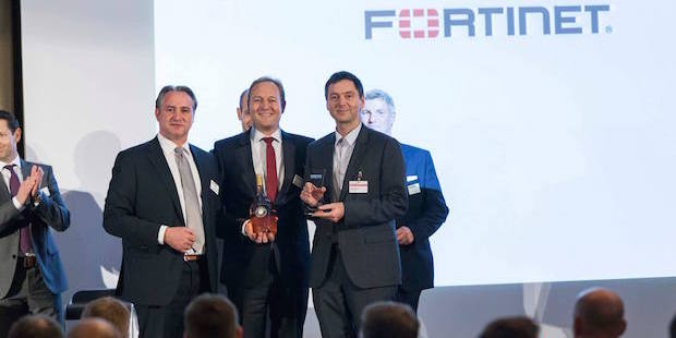"""Photo of Controlware ist """"Fortinet Partner of the Year 2015"""""""