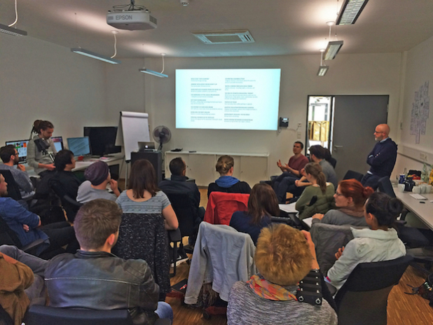 Mitarbeiter von frog kamen für ein Briefing auf den Weinberg-Campus nach Hildesheim. - Quelle: HAWK - Hochschule für angewandte Wissenschaft und Kunst