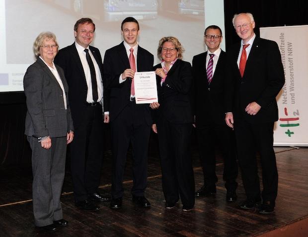 Bild von Student der TH Köln erhält Forschungspreis Wasserstoff.NRW