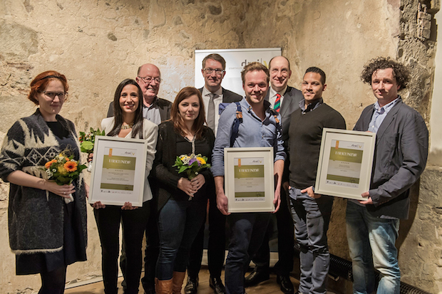 Photo of Flüchtlings-App für Neuanfang erhält Gründerpreis