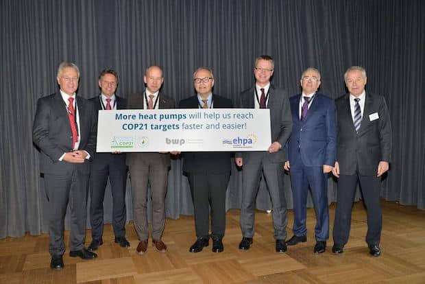 Bild von Wärmepumpen-Lobby mit Redebeitrag auf dem UN-Klimagipfel in Paris